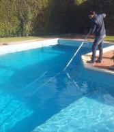 Assistenza e pulizia della tua piscina.